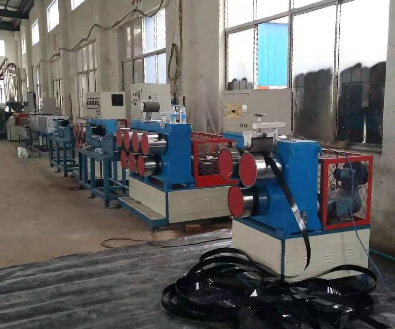 威海PET土工格室片材生产线